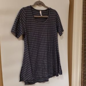 4/$25 LulaRoe navy striped blouse M